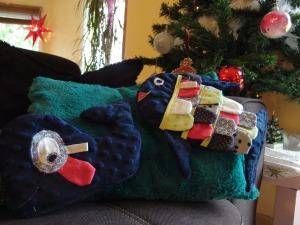 Cadeau de Noël pour Petit Bout : Un doudou Poisson Arc-en-ciel et un doudou Baleine en minky tout doux