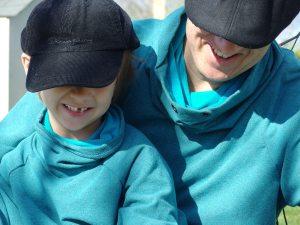 Sweat shirt col snood bleu pétrole Minimoi Maximoi - Modèle Burda pour le grand et Ottobre DINOSAUR (3/2014) adapté pour le petit ;-)