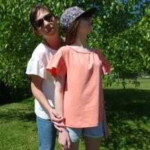 Duo de blouses FLOWER FLOW , Mère-Fille, tout en jersey fluide... Ottobre 3/2017...