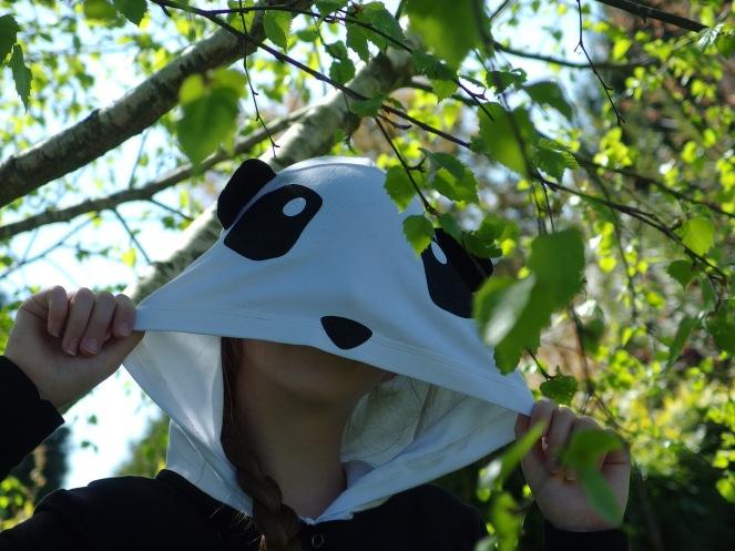 Surpyjama ou combi pyjama, tout en jersey, Modèle SANDMAN adapté d'Ottobre 6/2015 ! Voilà un panda tout rigolo !!
